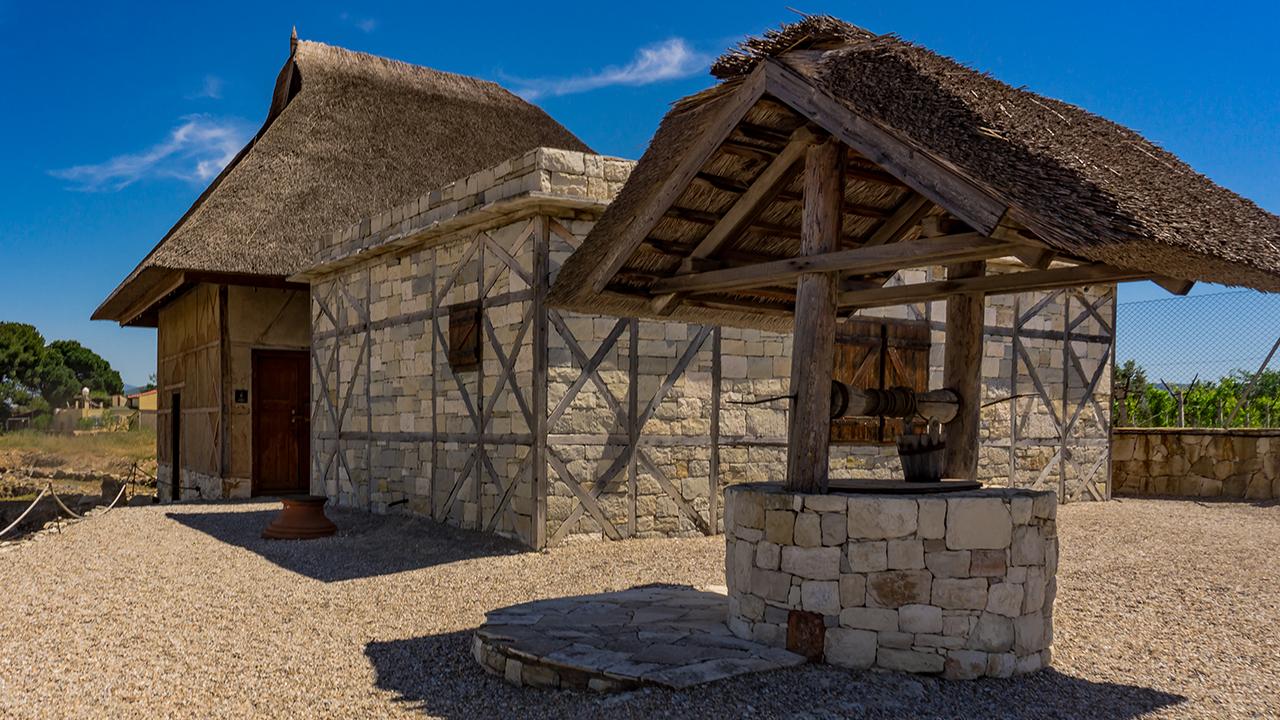 Klazomenai antik kentinden ev canlandırması